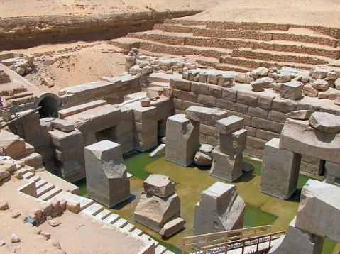 L'Osireion di Abydo, il luogo più sacro dell'Antico Egitto: è ricostruito a Dolo