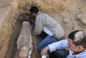Una missione archeologica al lavoro in Egitto