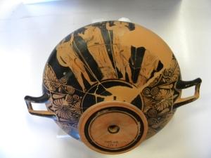 Coppa attica a figure rosse dalla tomba 512 di Spina