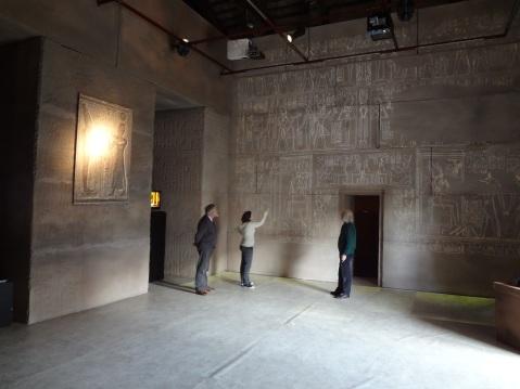 Le magiche atmosfere dell'interno monumentale dell'Osireion ricostruito a Dolo