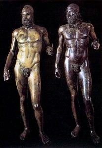 I Bronzi di Riace: la statua A e la statua B scoperte nel 1972 in fondo al mare di Riace
