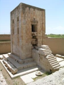 Kabeh-e Zartosht, la torre achemenide più famosa, ma il cui utilizzo solleva ancora dubbi