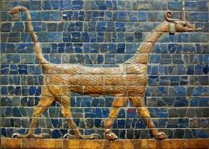 """Il """"mushkhusshu"""", il drago-serpente raffigurato sulla porta di Ishtar a Babilonia"""