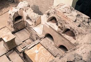 Alcune sepolture rinvenute nella zona dell'autoparco in Vaticano