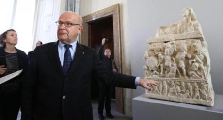 Louis Godart, consigliere del Presidente della Repubblica, illustra i capolavori recuperati