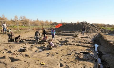 """Lo scavo del """"villaggio di legno"""" , sito altomedievale, sull'isola di Torcello"""