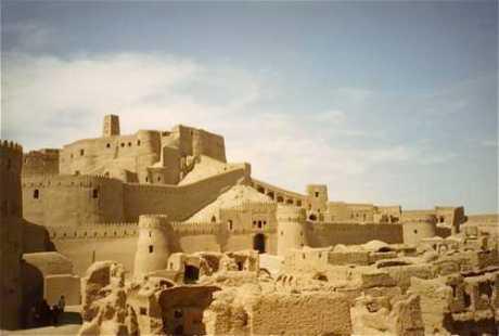 La cittadella merlata di Arg-e Bam in Iran prima del terremoto del 2003