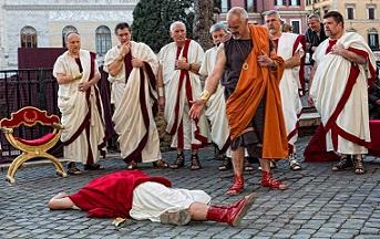 L'uccisione di Giulio Cesare nella rievocazione del Gruppo Storico Romano