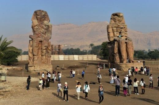 I Colossi di Memnone i resti più significativi del tempio funerario di Amenofi III a Tebe Ovest