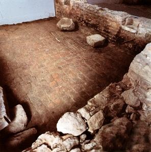 Stanza medievale con focolare sotto il museo archeologico di Este