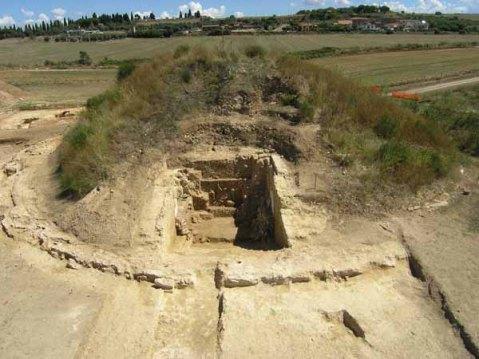 L'area dello scavo archeologico nella necropoli della Doganaccia a Tarquinia