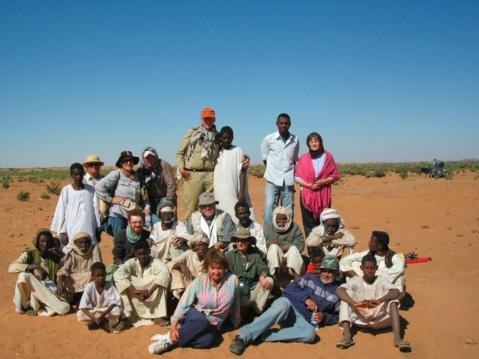 Il gruppo di archeologi e personale sudanese impegnato nella missione ad Abu Erteila