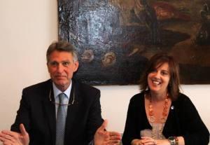 Il presidente di Nuova Banda Marino Breganze e l'assessore regionale Mariarita Sgarlata