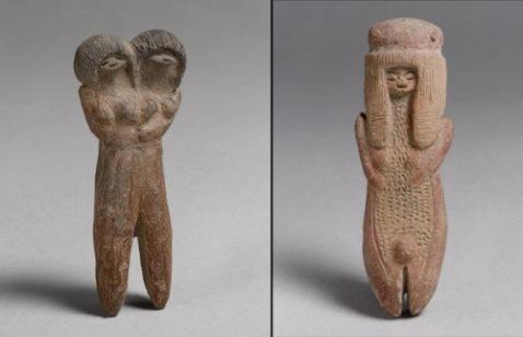 Due statuine della cultura Valdivia (4000 a.C.) che ha restituito le più antiche ceramiche dell'America Latina