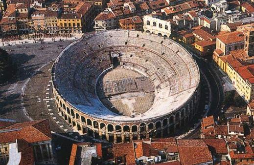 L'Arena di Verona: l'anfiteatro fu realizzato in età giulio-claudia