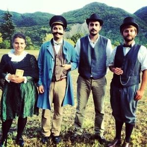 Gli attori della compagnia Cantine Teatrali Babele: Giulio Tamburini, Massimo Don, Deborah Scarpetta e Piergiorgio Iacobelli
