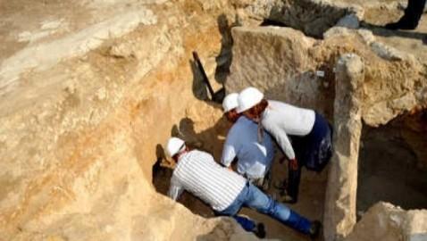 """Lo scavo della tomba """"del piccolo principe"""" rientra nel progetto del parco archeologico di Vulci"""