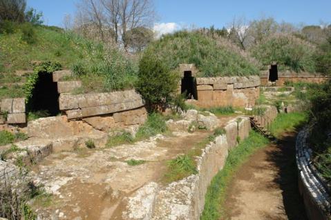 Oggi 65mila visitatori ogni anno ammirano le ricche tombe a tumulo della città etrusca di Cerveteri