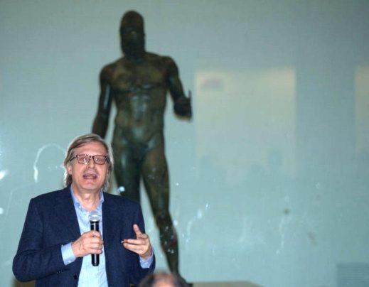 Vittorio Sgarbi, ambasciatore delle Belle arti, vuole portare i Bronzi di Riace a Milano per Expo 2015