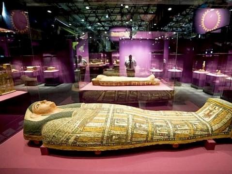 """La mostra """"Egitto. Dei, uomini e Faraoni"""" nelle ex fonderie di Volklingen in Germania"""