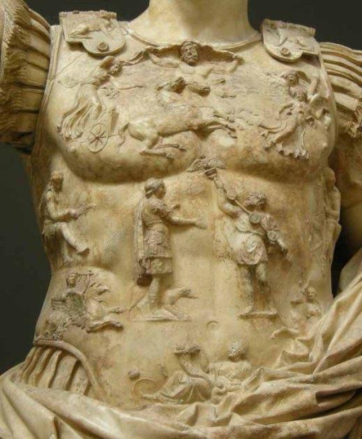 Un dettaglio della lorica della famosa statua di Augusto di Prima Porta