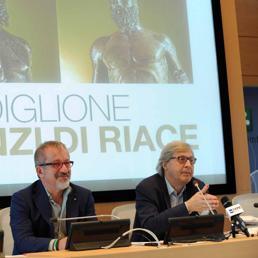 Roberto Maroni e Vittorio Sgarbi hanno chiesto i Bronzi per l'Expo