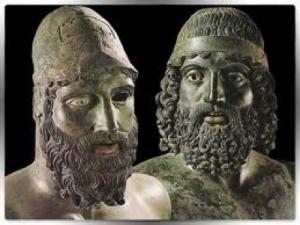 Primo piano della Statua A e della Statua B: i due Guerrieri di Riace