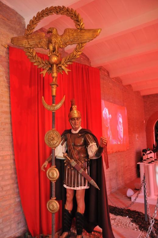 """Il legionario nella fedele ricostruzione storica proposta dalla mostra """"Mare Nostrum"""""""