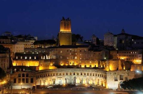 """I Mercati Traianei di notte: lì apre la mostra """"Le chiavi di Roma"""""""