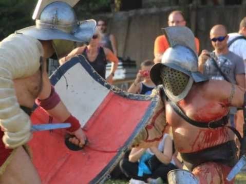 Una fase della battaglia tra veneti e spartani nella ricostruzione-spettacolo