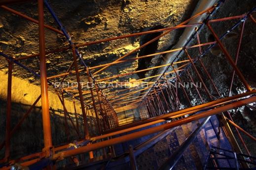 La selva di impalcature che si articolano nel cuore della piramide di Zoser