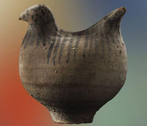 """Le ceramiche preistoriche esposte alla mostra """"Simboli vivi"""" provengono da un sequestro operato dai carabinieri su reperti trafugati illegalmente dal Pakistan"""