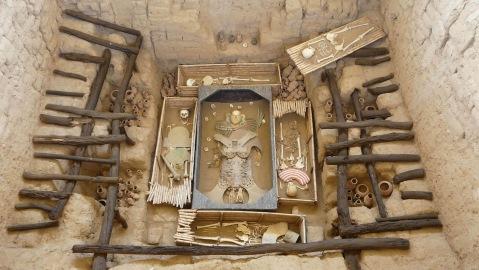 La straordinaria ricchezza della tomba del Signore di Sipan scoperta nel 1987