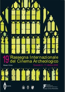 2008, 19. Rassegna: una vetrata di una chiesa gotica europea