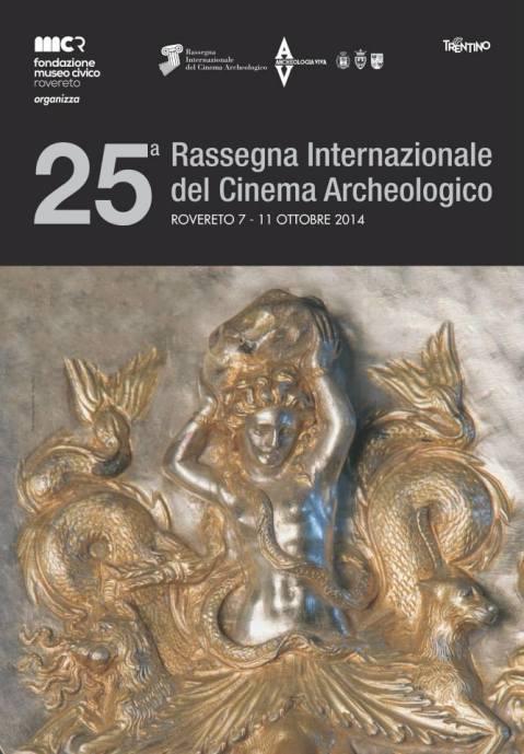 2014, 25. Rassegna: emblema in argento dorato trovato a Morgantina con la raffigurazione di Scilla dal museo di Aidone in Sicilia