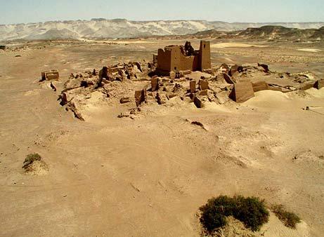 Le rovine di Umm el-Dabadib nell'oasi di Kharga in Egitto