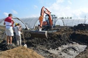 Allo scavo archeologico partecipano ricercatori e studenti delle università di Padova e di Ferrara, e membri dei Gruppi Archeologici di Bondeno e di Ferrara