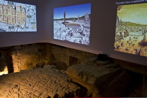 Sotto Palazzo Vecchio a Firenze è stato inaugurato il foyer del teatro romano con ricostruzioni in video della Florentia romana