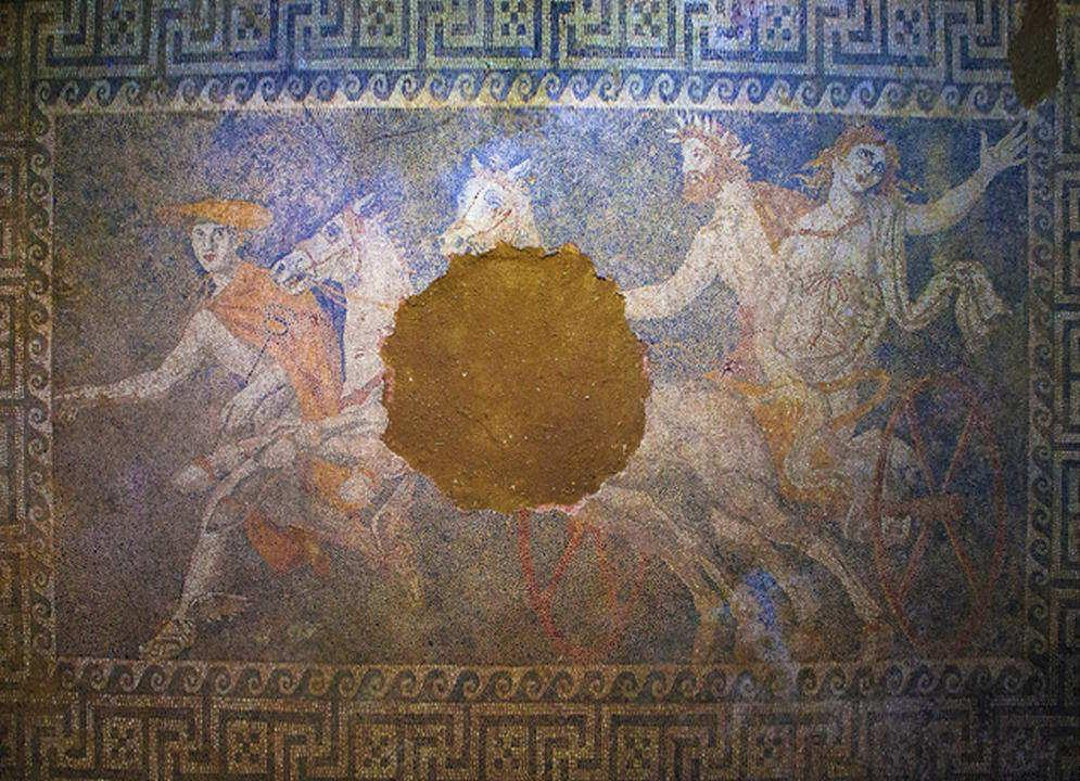 Chi sepolto nel tumulo monumentale di anfipoli in grecia for Grande disposizione della stanza