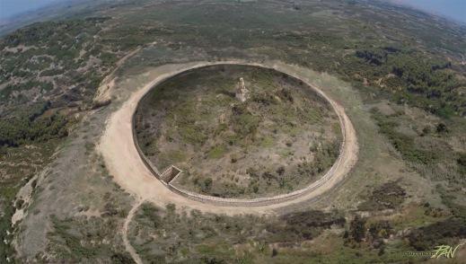Il grande tumulo di Kasta vicino ad Anfipoli nella Grecia settentrionale