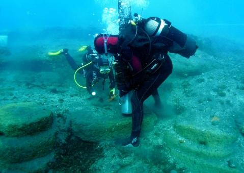 Le ricerche sottomarine a Lipari sono condotte dalla soprintendenza del Mare sotto la direzione di Sebastiano Tusa