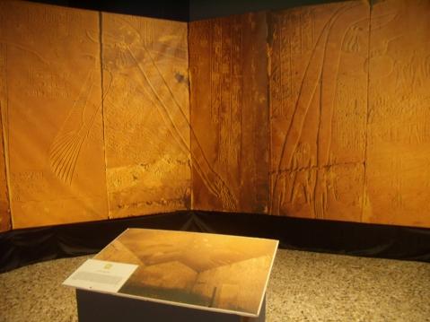 Il soffitto astronomico della stanza del sarcofago dell'Osireion di Abido nelle eccezionali foto di Paolo Renier, cuore della mostra di Conegliano