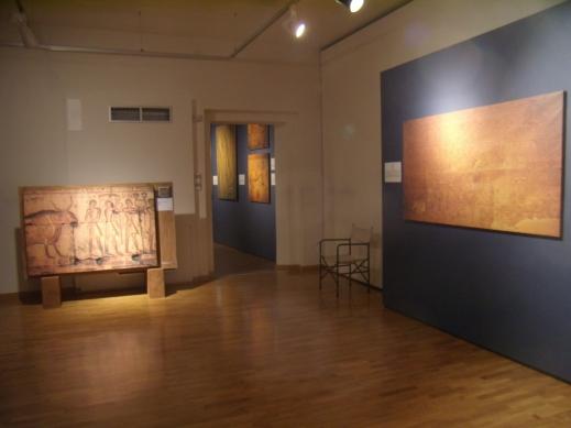 """L'interno della mostra """"Egitto. Come Faraoni e Sacerdoti NEL TEMPIO DI OSIRIDE, custodi di percorsi ormai inaccessibili"""" a Palazzo Sarcinelli a Conegliano"""