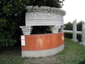 Monumento funerario romano conservato ad Altino