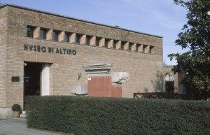 L'ingresso di quello che ora è il vecchio museo Archeologico di Altino