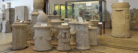 """Nel """"vecchio"""" museo di Altino trovano posto i reperti provenienti dalla necropoli romana"""