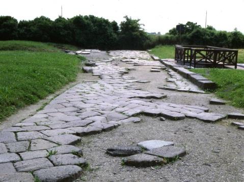 Strada romana nell'area archeologica di Altino: domenica itinerario archeologico
