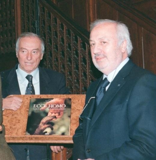"""Giancarlo Ligabue con Piero Angela alla presentazione del libro """"Ecce Homo"""""""