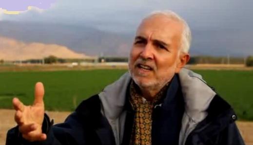 Il prof. Pierfrancesco Callieri a Tol-e Ajori nella piana di Persepoli (Fars, Iran)