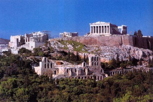 L'Acropoli di Atene dominata dal Partenone, capolavoro architettonico e artistico di Fidia (V sec. a.C.)
